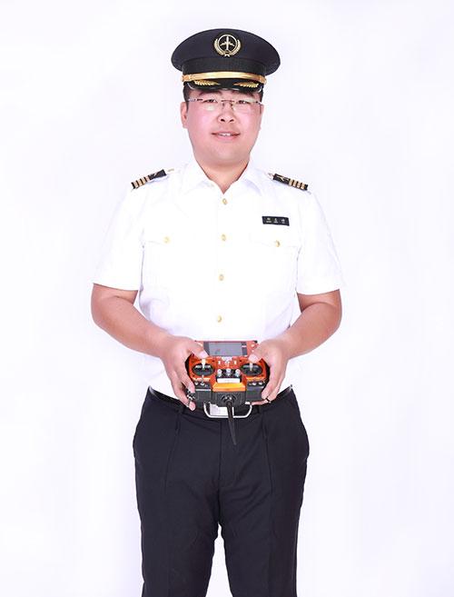唐山科技职业技术学院定妆照3