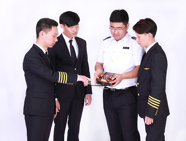 唐山科技职业技术学院定妆照2