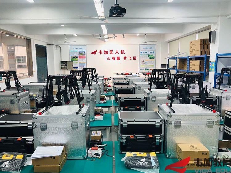 江西九江职业学院无人机实训室图片