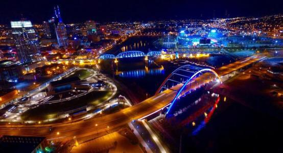 无人机航拍城市夜景